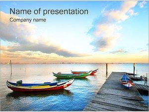 Шаблон презентации PowerPoint: Лодки у мостика