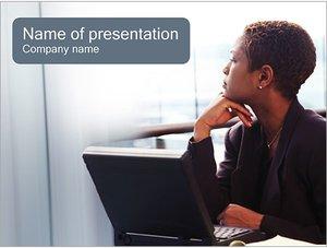 Шаблон презентации PowerPoint: Деловая женщина