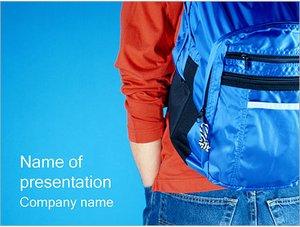 Шаблон презентации PowerPoint: Ученик с рюкзаком