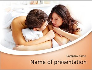 Шаблон презентации PowerPoint: Молодая пара в постели