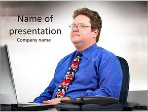 Шаблон презентации PowerPoint: Бизнесмен смотрит в будущее