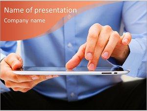Шаблон презентации PowerPoint: Мужчина с айпадом