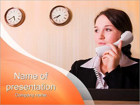 Шаблон презентации Женщина на ресепшене - Титульный слайд