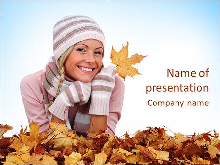 Шаблон презентации Девушка с желтыми листьями - Титульный слайд