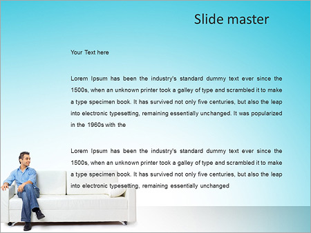 Шаблон PowerPoint Молодой мужчина сидит на диване - Второй слайд