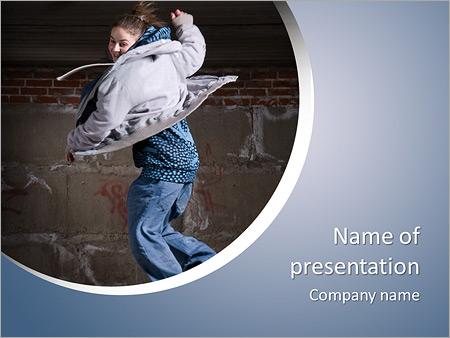 Шаблон презентации Девушка танцует хип-хоп - Титульный слайд