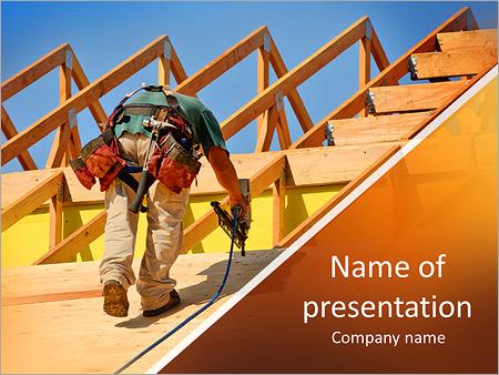 Шаблон презентации Строитель делает крышу дома - Титульный слайд