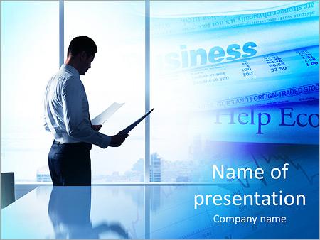 Шаблон презентации Бизнесмен в офисе с бумагами в руках - Титульный слайд