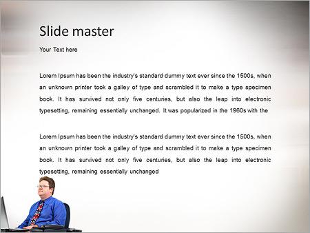 Шаблон PowerPoint Бизнесмен смотрит в будущее - Второй слайд
