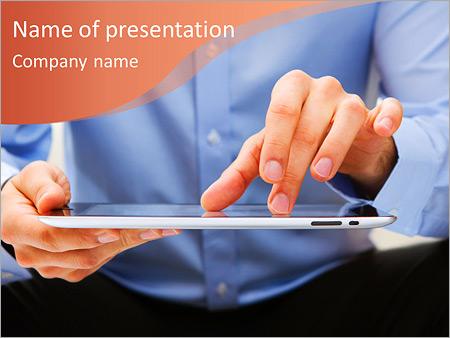 Шаблон презентации Мужчина с айпадом - Титульный слайд