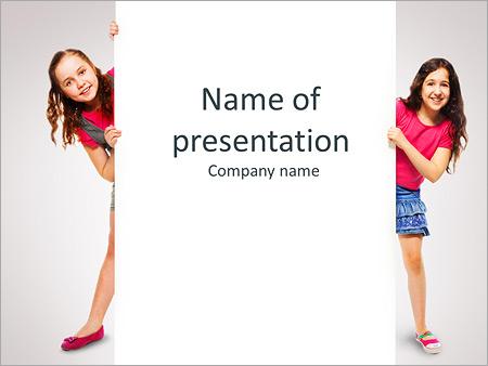 Шаблон презентации Две девочки держат пустой плакат - Титульный слайд
