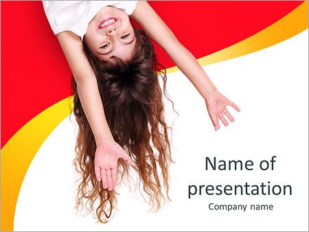 Шаблон презентации Маленькая девочка с вытянутыми руками - Титульный слайд